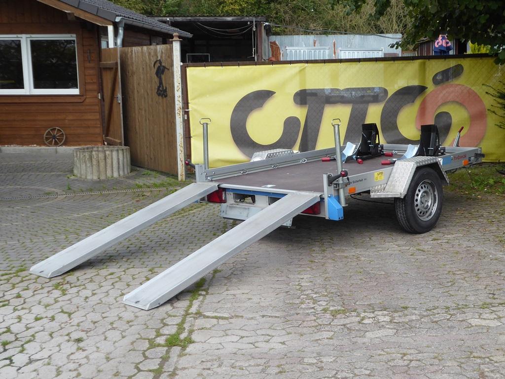 transporter mieten hameln simple sixt lkw transporter mieten with transporter mieten hameln. Black Bedroom Furniture Sets. Home Design Ideas